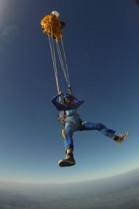 Votre premier saut en parachute seul
